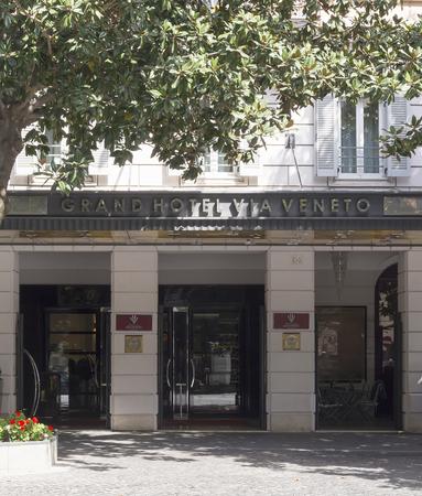 ローマ、イタリア、2017 年 3 月 25 日: ローマ、イタリアで有名な Via Veneto にあるグランド ホテル ヴィア ヴェネトの正面玄関 報道画像