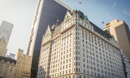 뉴욕, 미국, 11 월 1 일, 2016 : 뉴욕의 유명한 호텔 플라자의 외관 에디토리얼