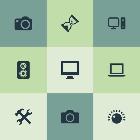 Vector illustratie Set van eenvoudige hardware pictogrammen. Elementen monitor, personal computer, camcorder en andere synoniemen camera, knop en fotograferen. Stock Illustratie