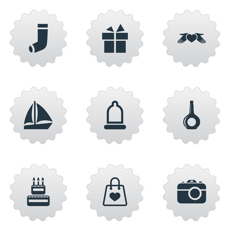Vector Illustration Set Of Simple Holiday Icons. Elements Photo Camera, Love Protection, Sale And Other Synonyms Safety, Rubber And Condom. Çizim