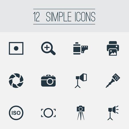 Illustration vectorielle définie des icônes simples de photographie. Elements Flame Instrument, Ruban Photo, Light Level et autres synonymes Image, Augmenter et Copier. Banque d'images - 85614670