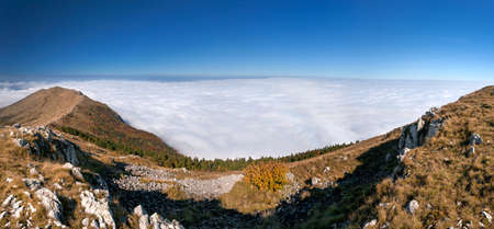 inversion: Mountain panorama - Example of meteorological phenomenon known as inversion temperature or pressure