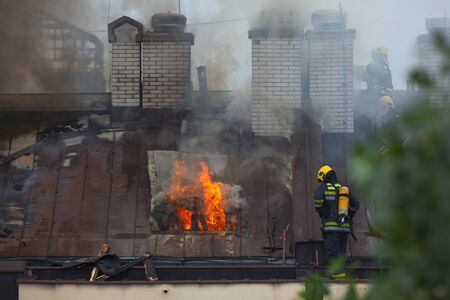 lasted: Fire fighting in reality on the roof of eight floor building, which lasted up to eight hours with six teams of firefighters on the field.