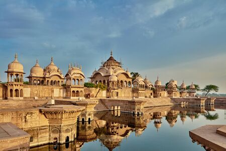 dome of hindu temple: Kusum sarovar ancient abandoned temple in India UP Stock Photo