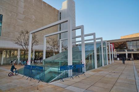 ロスチャイルド聖テルアビブ - 2017 年 3 月 4 日: ハビマ スクエア センター Tel Aviv、一日の時間 報道画像