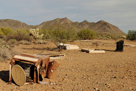 Garbage Dumped in Sonoran Desert 版權商用圖片