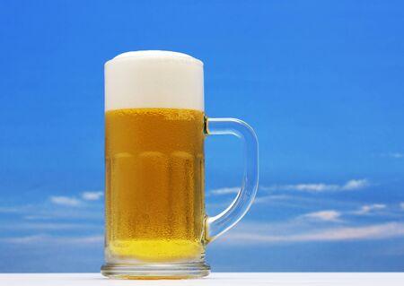 Pul bier op heldere hemel Stockfoto