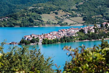 tora: Panoramic view of Colle di Tora on Lake Turano in Italy