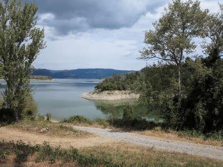 View of the Lake Corbara in Italy, near city of Orvieto, in the River Park of the Tiber. Stockfoto