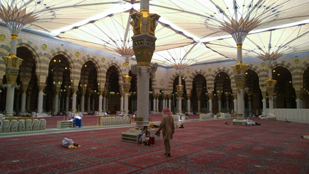 the prophets: An internal image of the Prophets Mosque in Medina in Saudi Arabia, Show where the decoration and construction of Islamic architecture.