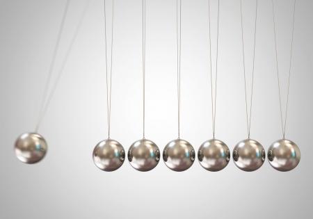 gravedad: Equilibrio de bolas de Newton s cuna Foto de archivo