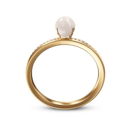 Anillo de oro con perlas aisladas sobre un fondo blanco Foto de archivo