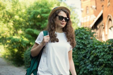 Girl have trip to European old city Reklamní fotografie