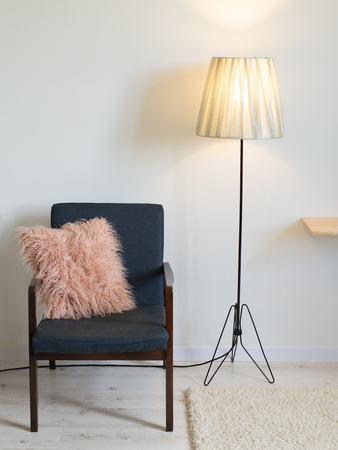 Vintage armchair in minimal interior Stockfoto