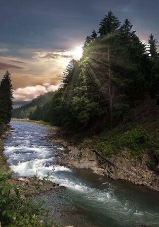 Mountain river Archivio Fotografico