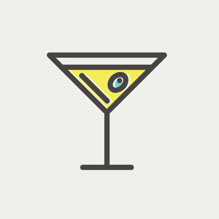Glass of martini icon thin line for web and mobile, modern minimalistic flat design.  矢量图像
