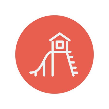 niños en recreo: Playhouse con la diapositiva icono de línea delgada para web y diseño plano móvil minimalista. Vector icono blanco dentro del círculo rojo