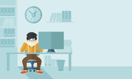 dolor de cabeza: Un hombre de negocios japon�s con exceso de trabajo que se sienta delante de la computadora con la cabeza por dos manos, bajo el estr�s que causa un dolor de cabeza. Concepto infeliz. Un estilo contempor�neo con la paleta de colores pastel suave de fondo pintado de azul. Vector dise�o plano ilustraci�n. Horizont Vectores