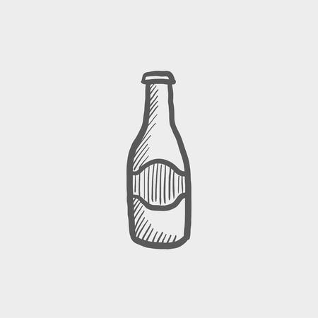 ivresse: Lumi�re bouteille de bi�re ic�ne de croquis pour le web et mobile. Main vecteur trac� gris fonc� ic�ne sur fond gris clair.