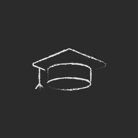 卒業キャップ手が黒い背景に分離された黒板白ベクトル アイコンをチョークで描きます。 写真素材