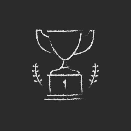 trofeo: Trofeo dibujado a mano con tiza en un icono blanco vector de pizarra aislado en un fondo negro. Vectores