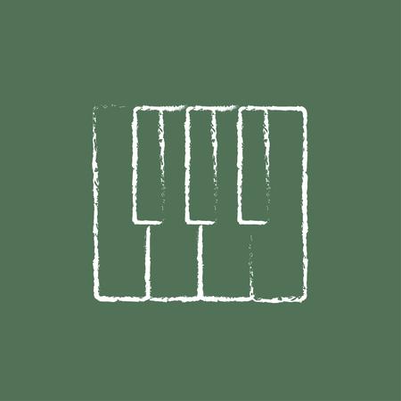 teclado de piano: Llaves del piano dibujado a mano con tiza en un icono blanco vector de pizarra aislado en un fondo verde. Vectores