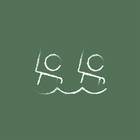nataci�n sincronizada: La nataci�n sincronizada dibujado a mano con tiza en un icono blanco vector de pizarra aislado en un fondo verde.