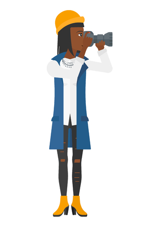 mujeres trabajando: Un fotógrafo africano-americano que sostiene una ilustración vectorial diseño plano de la cámara aislada en el fondo blanco.