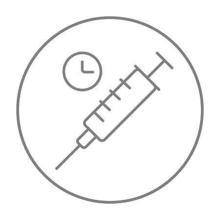 inyeccion intramuscular: Jeringa con el icono de línea de reloj para web, móvil y la infografía. gris del vector icono de línea fina en el círculo aislado en el fondo blanco.