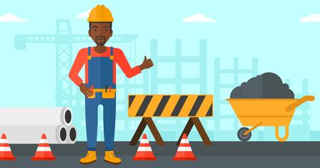 Een Afro-Amerikaanse man in helm duimen omhoog teken op een achtergrond van de bouwplaats met vangrails en kruiwagen vector platte ontwerp illustratie. Horizontale lay-out.