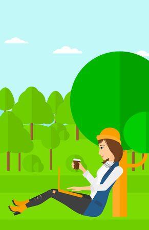 Een vrouw met een kopje koffie studeren in het park met behulp van een laptop vector platte ontwerp illustratie. Verticale lay-out.