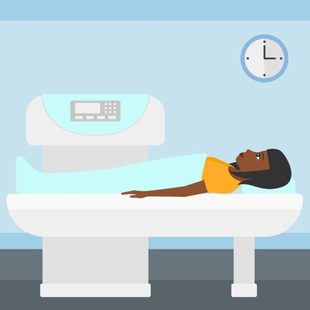 resonancia magnetica: Una mujer afroamericana se somete a un procedimiento de examen de resonancia magn�tica abierta en el vector del hospital ilustraci�n dise�o plano. de planta cuadrada.