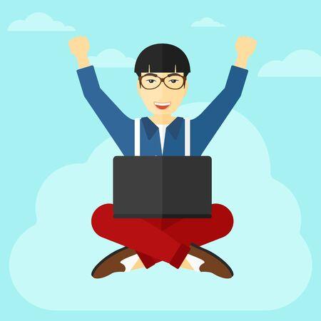 manos levantadas al cielo: Un hombre de negocios asi�tico con las manos levantadas sentado en una nube con un ordenador port�til en el fondo de cielo azul ilustraci�n vectorial dise�o plano. de planta cuadrada.