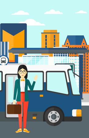 An asian kobieta stoi przy drzwiach autobusu na tle przystanku z wieżowców za wektora płaska ilustracji. układ pionowy.