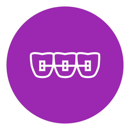 Orthodontic braces thick line icon with pointed corners and edges for web, mobile and infographics. Vector isolated icon. Ilustração