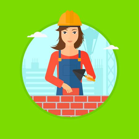 Een vrouwelijke metselaar in uniform en bouwvakker met een spatel en een baksteen in handen op een achtergrond van een bouwplaats. Vector platte ontwerp illustratie in de cirkel geïsoleerd op de achtergrond.