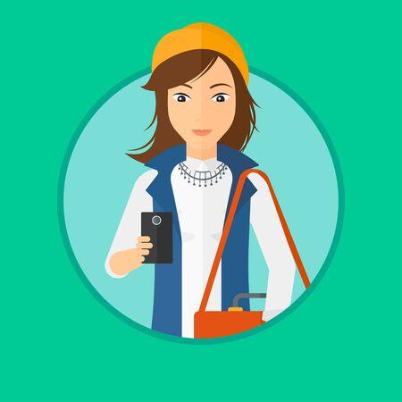 mujer con maleta: Mujer joven que usa un teléfono inteligente. Mujer de negocios profesional con la maleta que trabaja con el teléfono inteligente. Mujer de mensajes en el teléfono inteligente. Vector ilustración de diseño plano en el círculo aislado en el fondo.