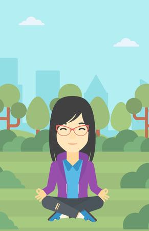 woman meditating: Una mujer de negocios asi�tica joven meditando en posici�n de loto de yoga al aire libre. mujer de negocios que se relaja en el parque en la posici�n de loto. Vector de dise�o plano ilustraci�n. disposici�n vertical.