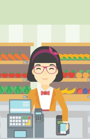 mujer en el supermercado: Una mujer joven asiática pagar inalámbrica con el teléfono inteligente en la caja del supermercado. Mujer de realización de pagos del cliente para la compra con el teléfono inteligente. Vector de diseño plano ilustración. disposición vertical.