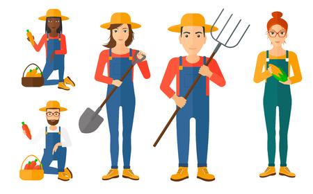 arando: Conjunto de los agricultores que utilizan herramientas agrícolas. Granjero con pala, horca. Los agricultores que trabajan en el campo agrícola. granjero que cosecha la mazorca de maíz y zanahoria. Ilustración del vector aislado en el fondo blanco.