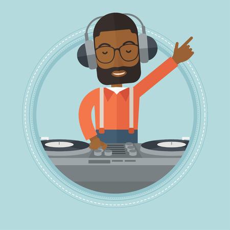 Un DJ afro-américaine mêlant musique sur des platines. Jeune DJ dans un casque de jeu et de mélange de la musique sur le pont. Vector design plat illustration dans le cercle isolé sur fond.