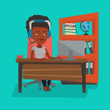 Afroamerykańska kobieta bawić się gry komputerowe. Młoda szczęśliwa kobieta używa komputer dla bawić się gry. Rozochocona kobieta w hełmofonach bawić się gry online. Ilustracja wektorowa Płaska konstrukcja. Układ kwadratowy.