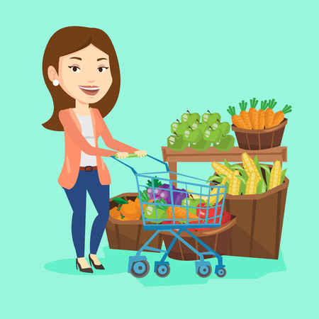 La mujer caucásica empujando un carrito de supermercado con algunos productos saludables en el mismo. El hacer compras en el supermercado con el carro. Mujer que compra productos saludables. Vector de diseño plano ilustración. de planta cuadrada.