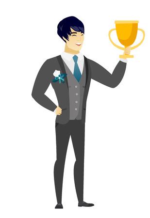 Novio asiático en un traje de boda sosteniendo un trofeo de oro. Longitud total del novio joven con un trofeo. Feliz novio celebrando con un trofeo. Ilustración de diseño plano de vector aislado sobre fondo blanco.