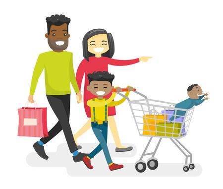 ショッピング異人種間の子供との幸せの多民族の家族。若いアジアの母とアフリカ系アメリカ人の父を浮かべてショッピングカートで歩く幸せな異