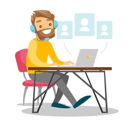 Een man in hoofdtelefoon met een computer aan de balie.