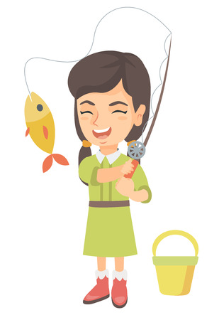Pesca alegre niña caucásica. Niña sonriente de pie cerca del balde para pescar y sosteniendo la caña de pescar con peces en un anzuelo. Ilustración de dibujos animados de dibujo vectorial aislado sobre fondo blanco.