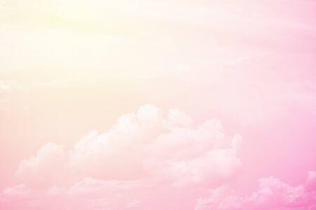 fluffy: fant�stica nube mullida y el cielo de fondo abstracto