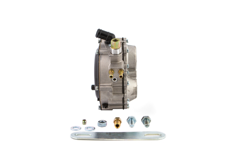 electronically: Gas reducer vehicle and its accessories on a white background