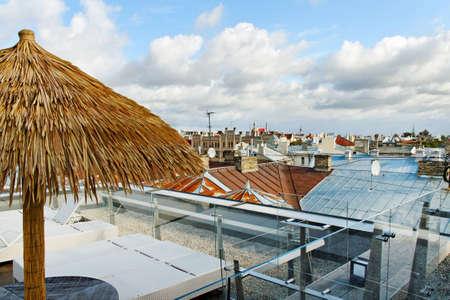 Ver en la cafetería en un tejado Foto de archivo - 12355065